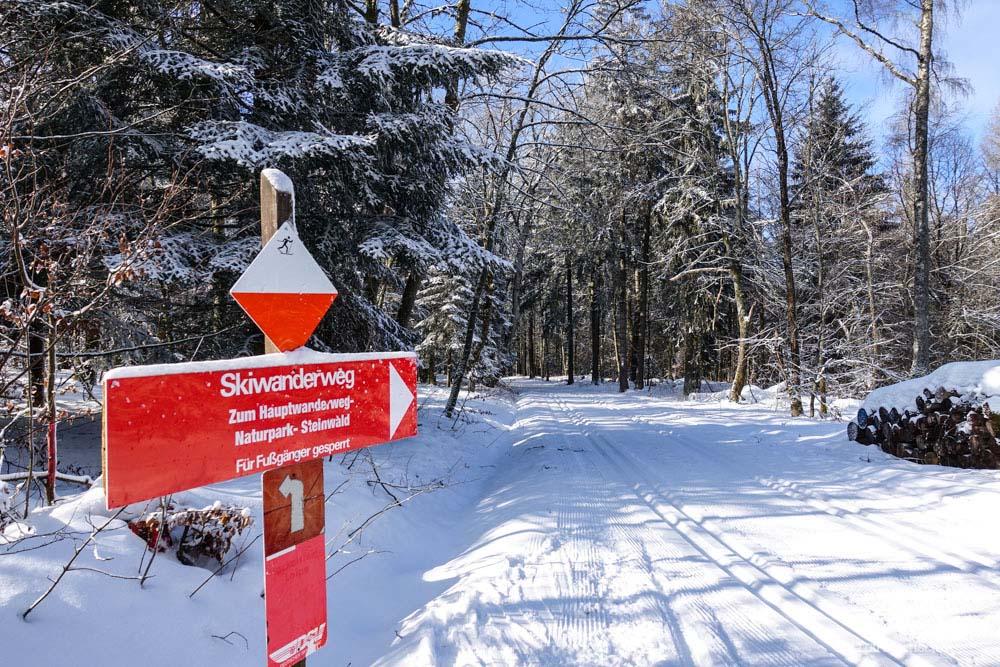 Hier beginnt der Hauptskiwanderweg - Steinwald